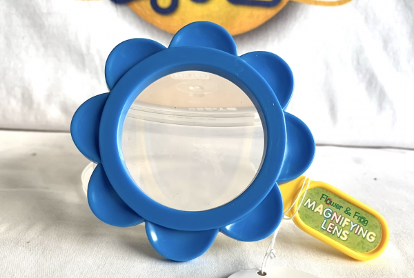 Flower Shaped Magnifier Lens